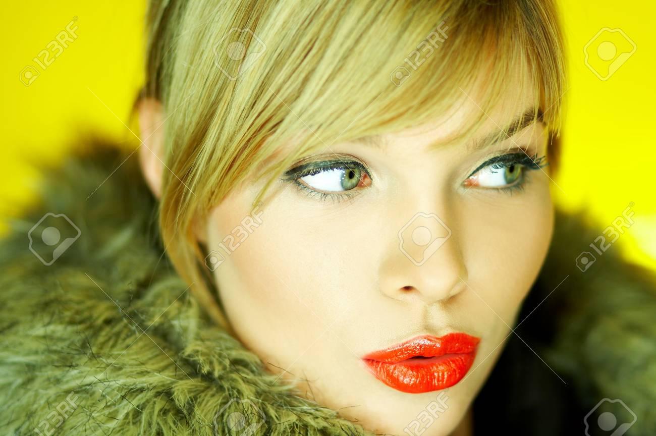 Portrait of beautiful woman wearing hooded winter jakcet Stock Photo - 610666
