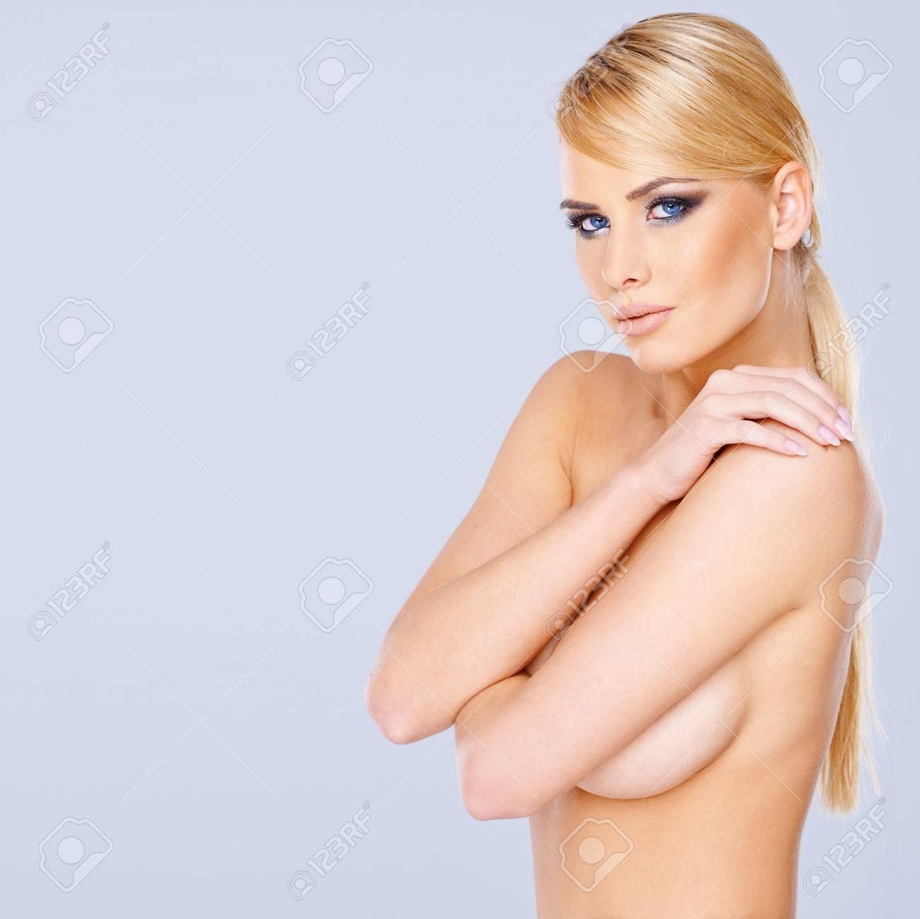 schone nackte blonde madchen bruste