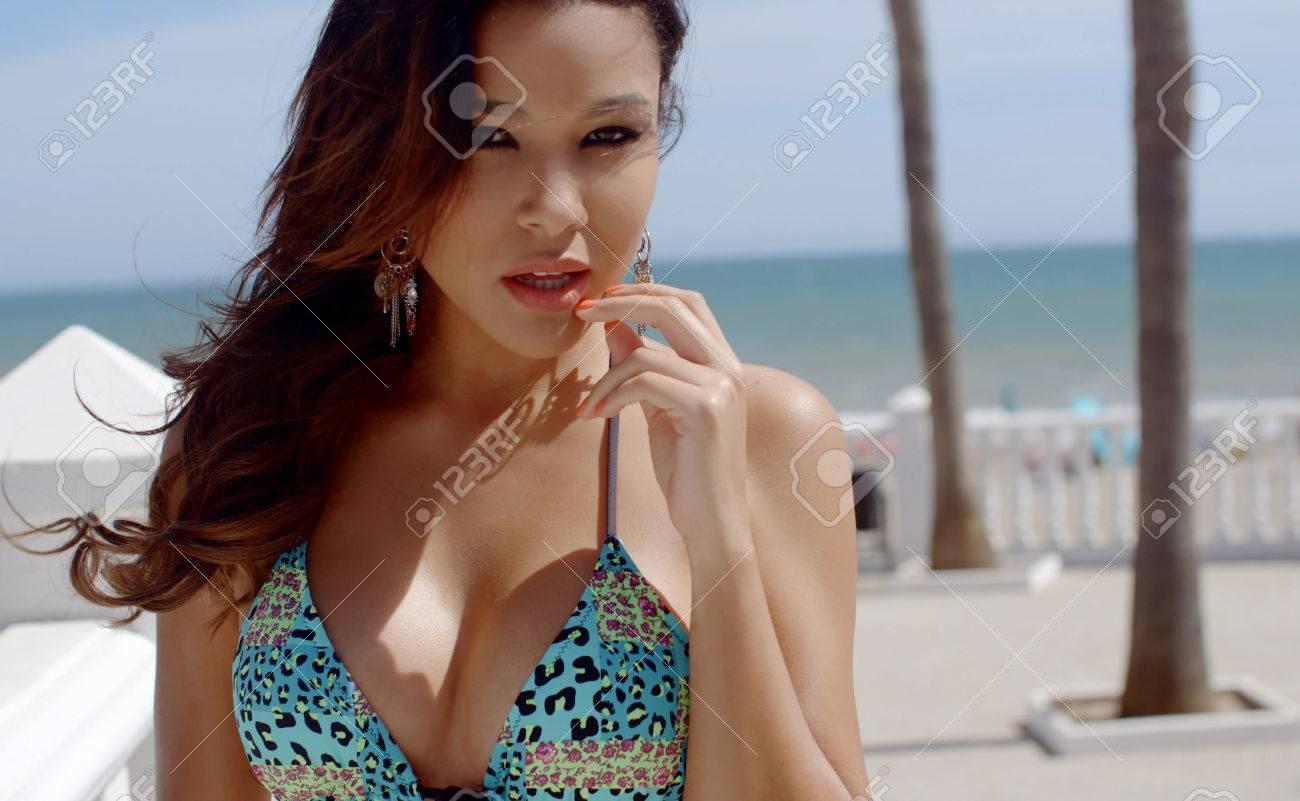 Hot lesbian sex video clips