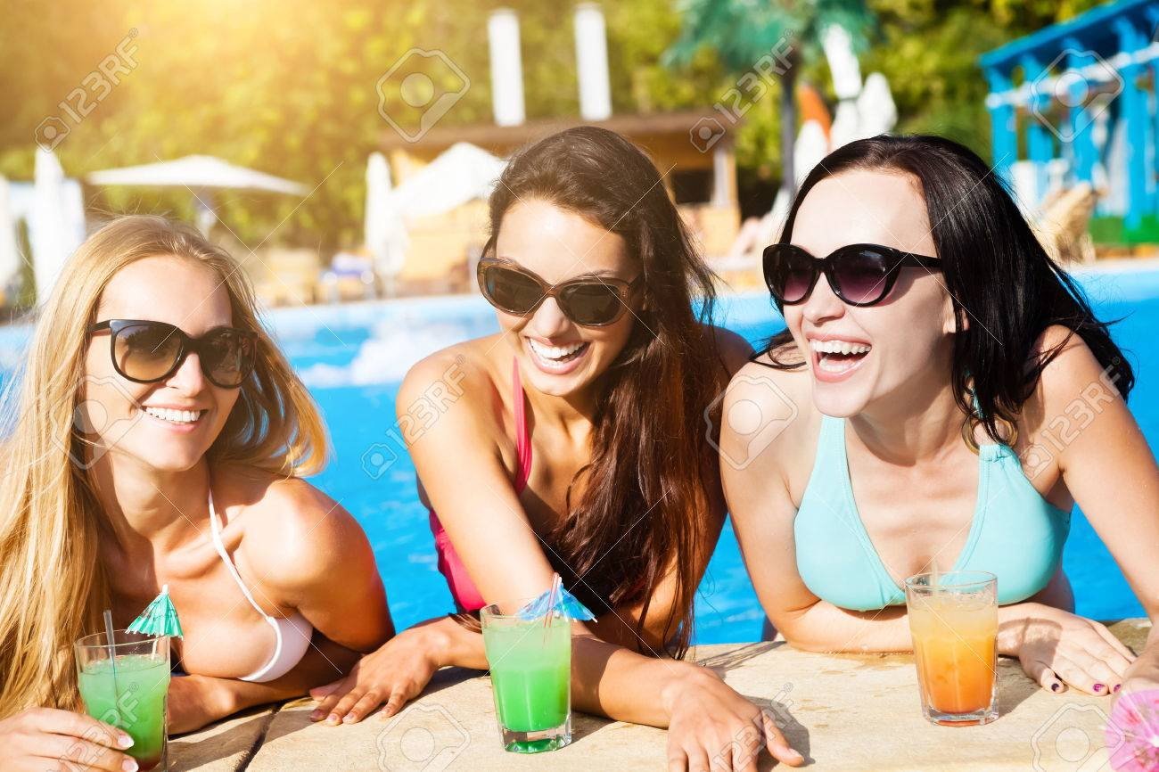 Фото голых девочек в басеене 19 фотография