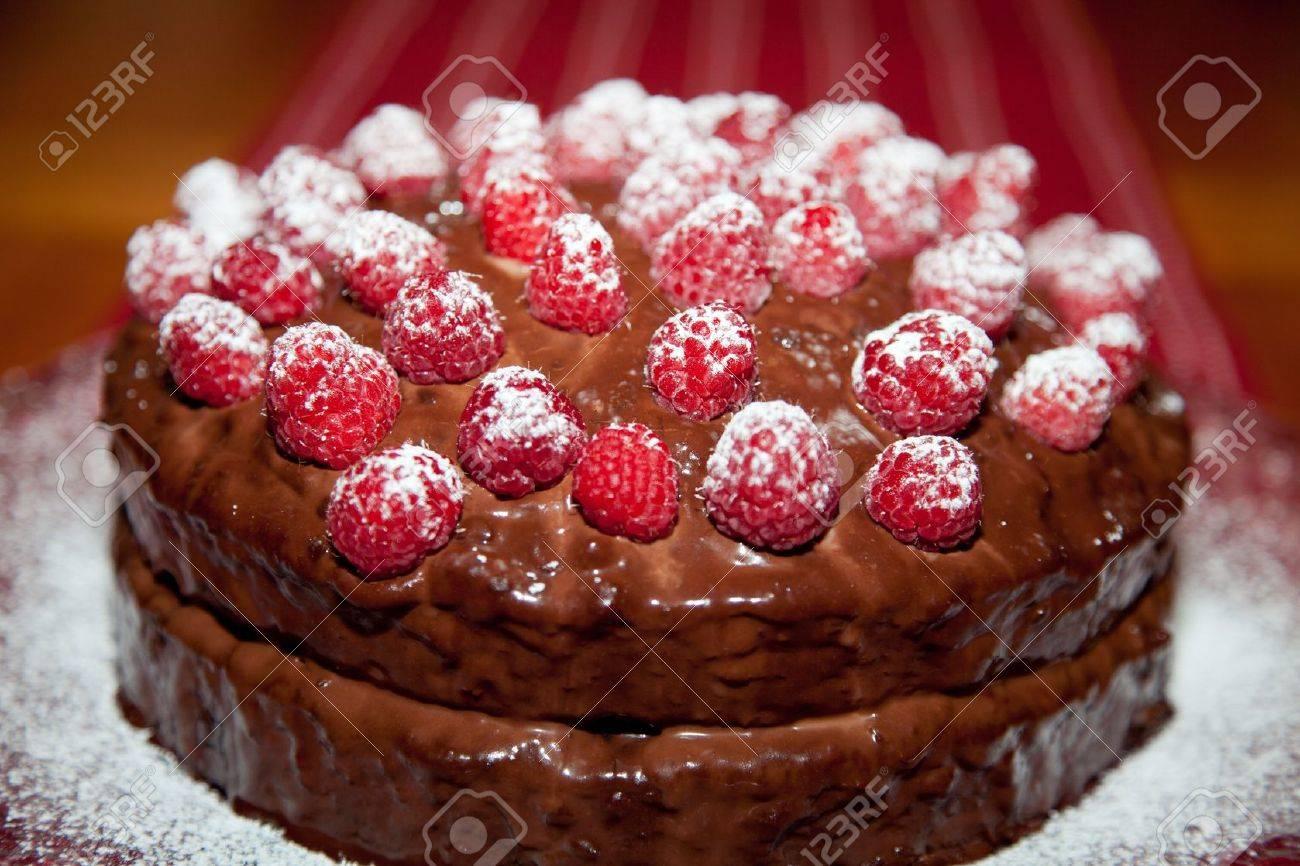 Gateau anniversaire chocolat avec ganache