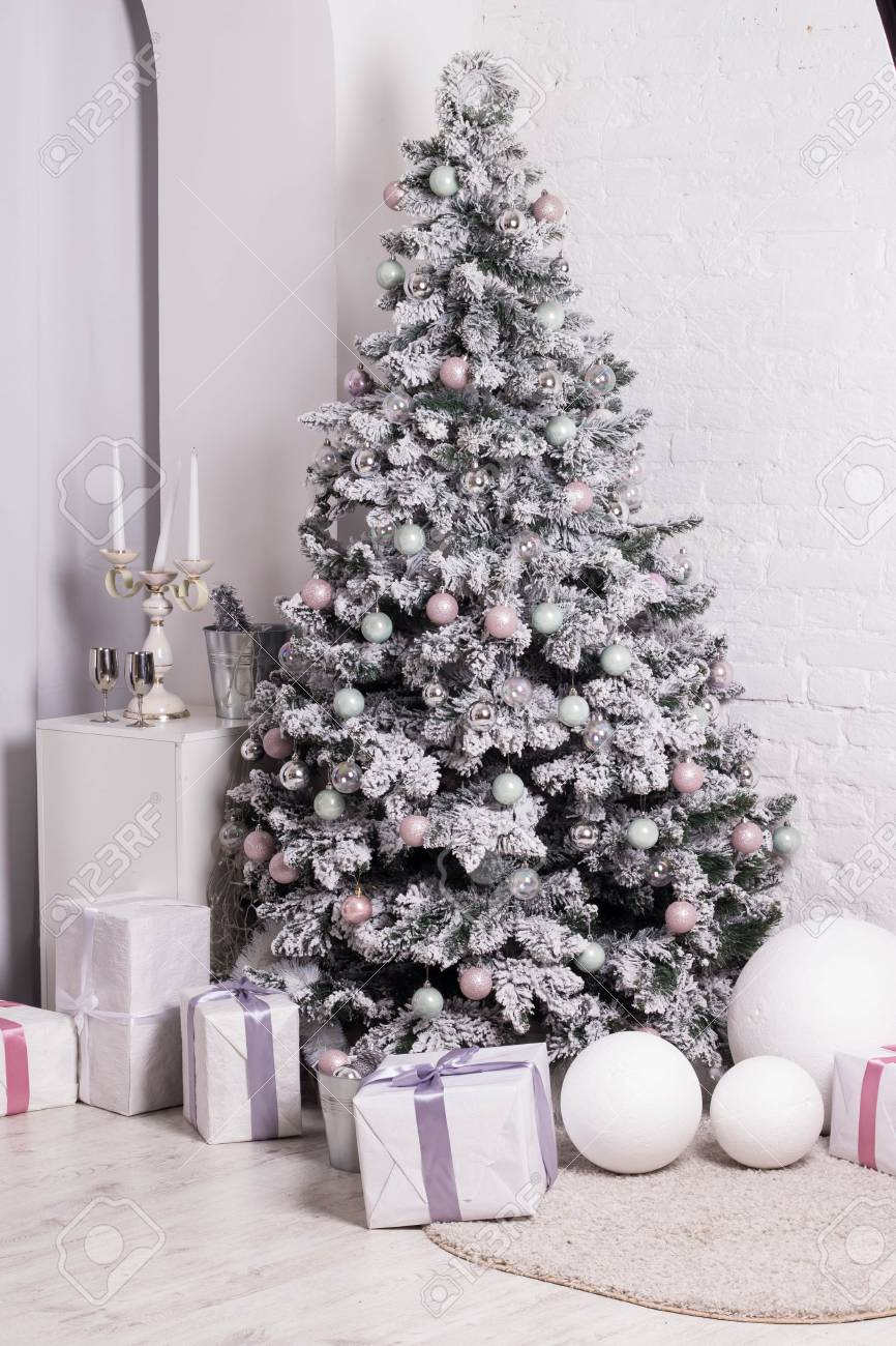 Great Beautifully Decorated Christmas Tree With Pink Baubles Stock Photo Picture And Royalty Free Image Image 68413953