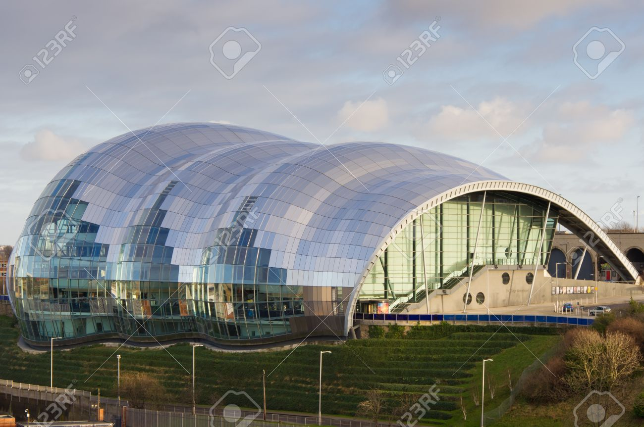 Banco De Imagens   Sage Gateshead Showing The Iconic Architecture Of The  Circular Glass Structure