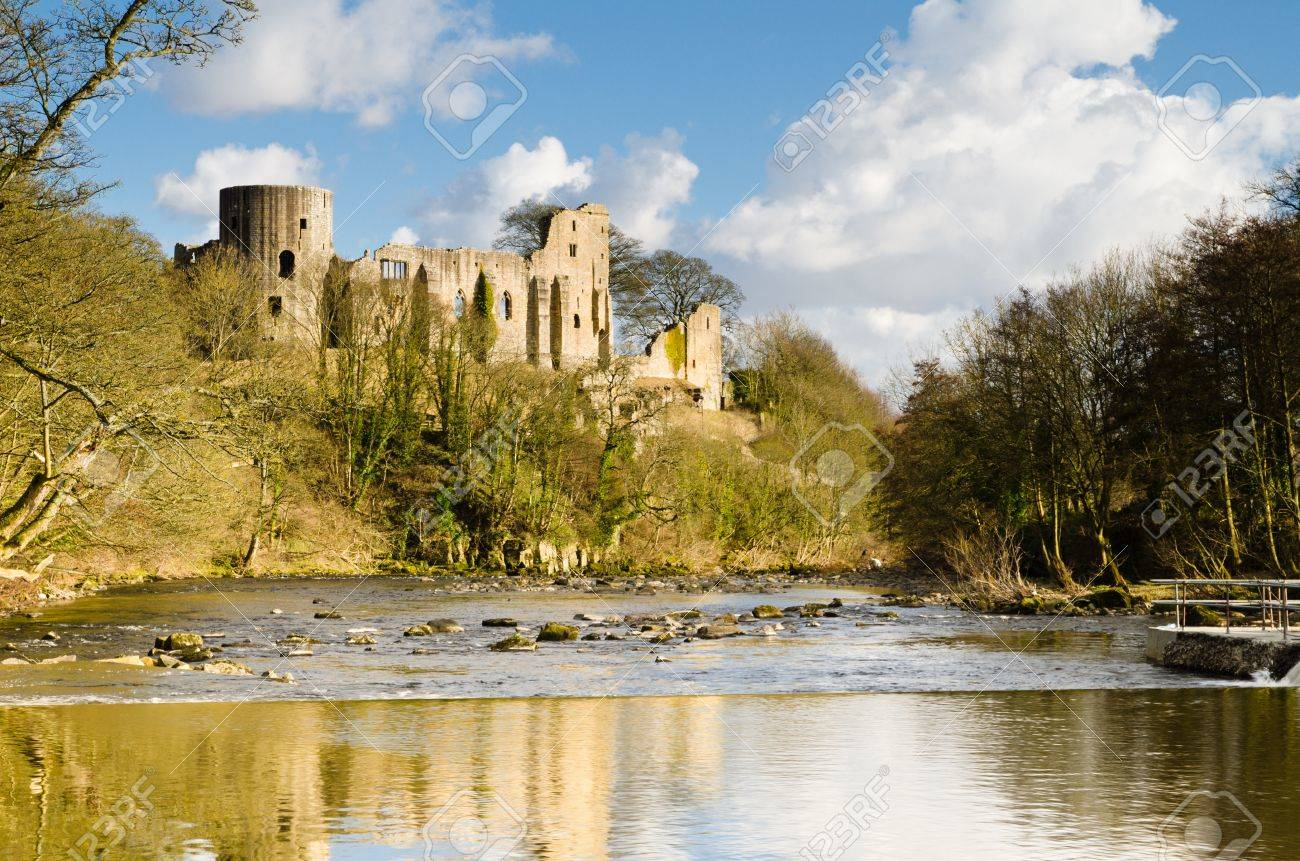 Ruins of Barnard Castle towering above the River Tees - 19133239