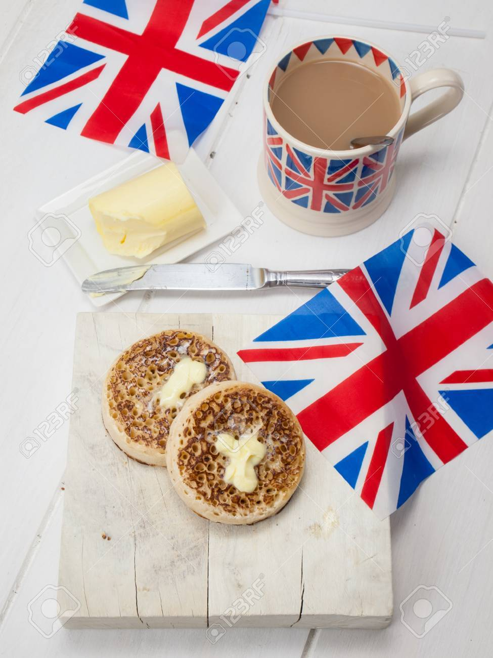 [Image: 28880325-english-crumpets-with-butter-on...jack-m.jpg]