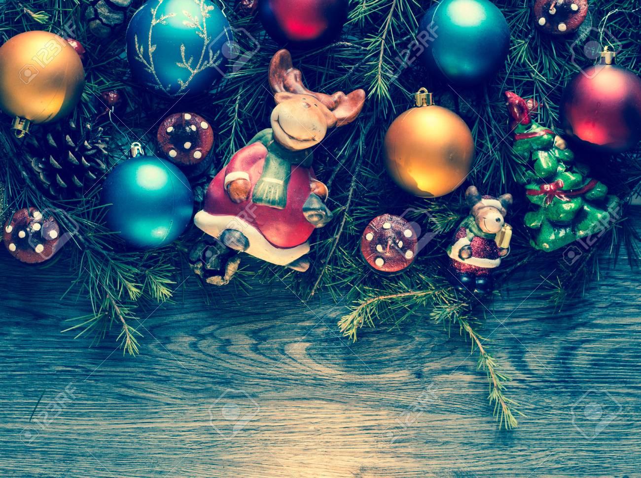 Marco De La Feliz Navidad Con El Pino De Madera Auténtica Verde ...