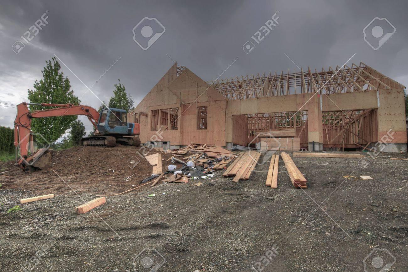 Inicio De Sitio De Construcción, Encuadre Con Madera Y Plywood 3 ...