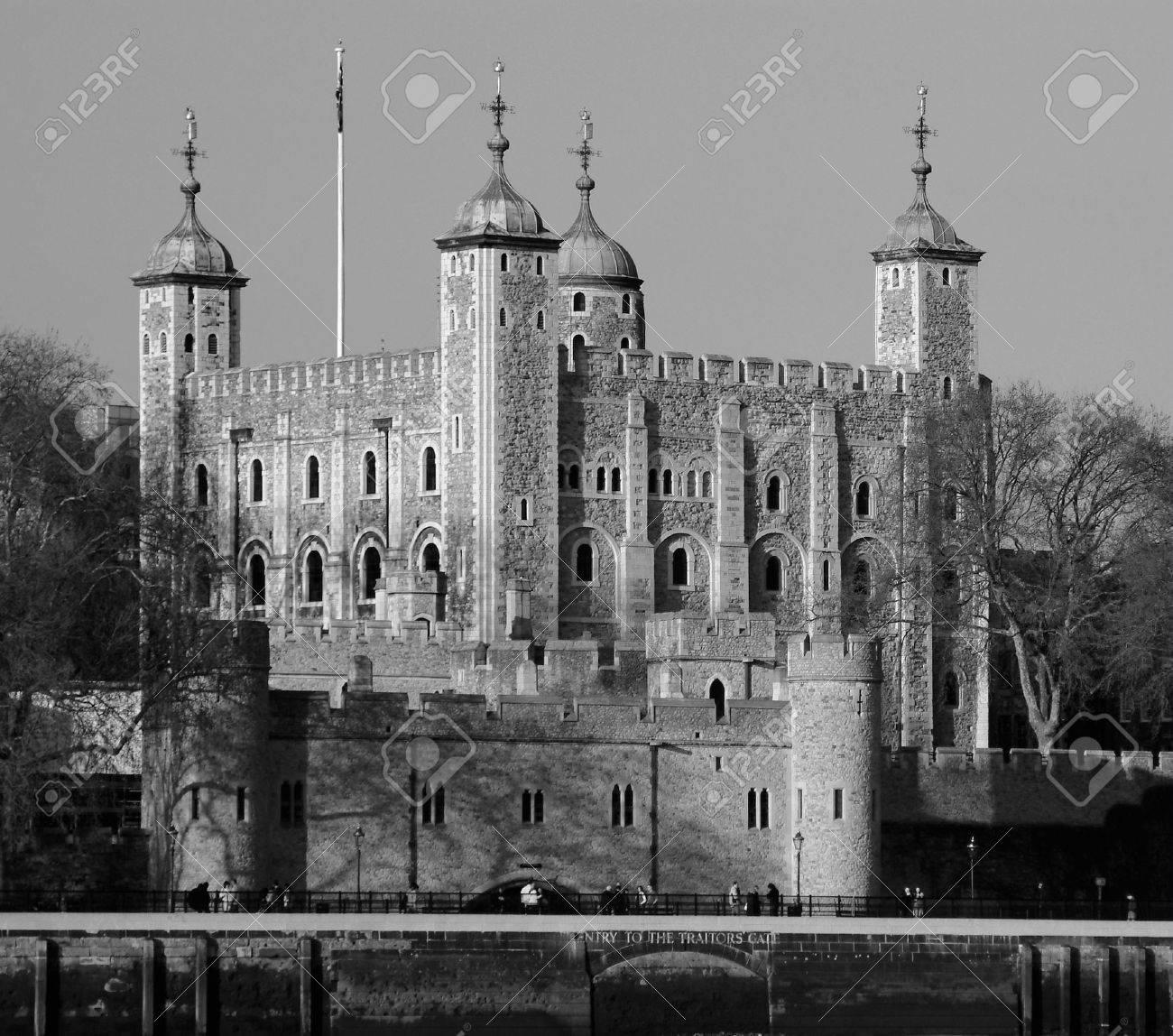 tower of london river thames england london uk united kingdom Stock Photo - 610606