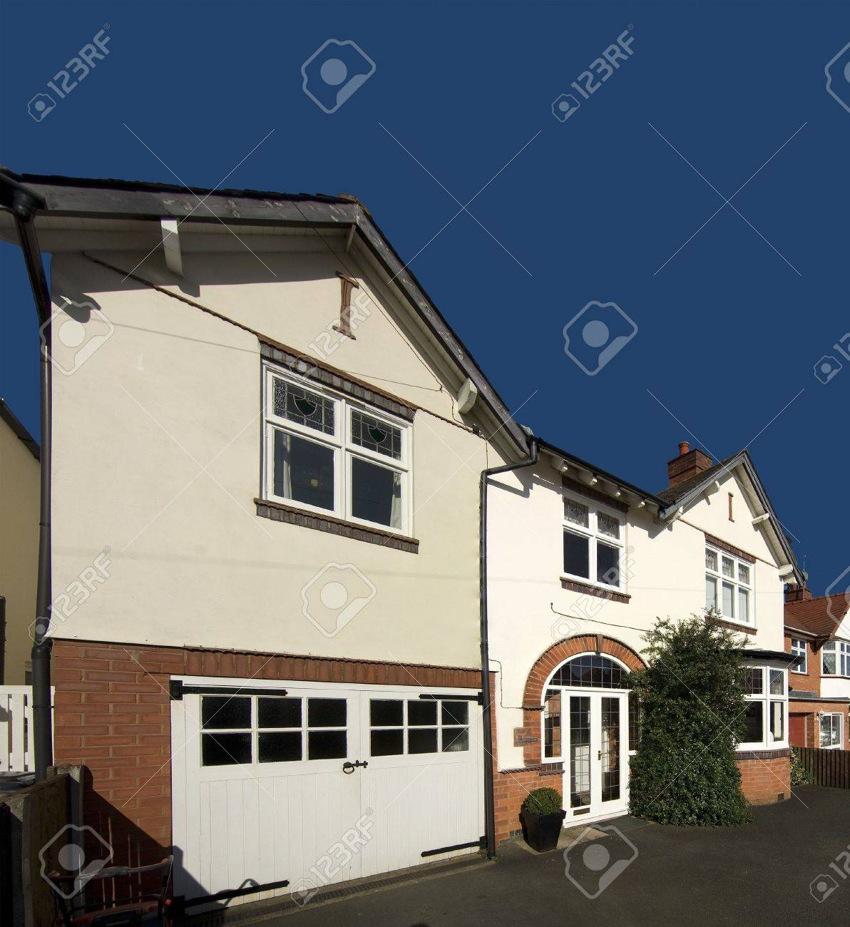 detached house exterior view Stock Photo - 2104433