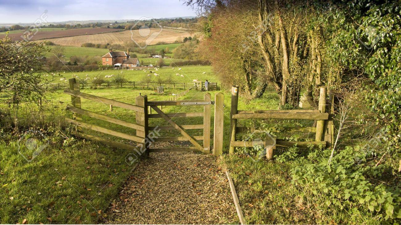 views from the monarchs way long distance footpath tardebigge worcestershire - 3864654