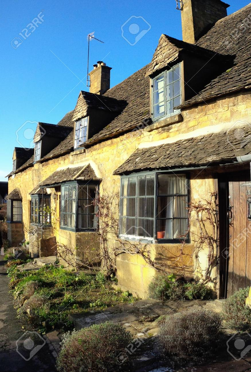 Old houses on the high street of Broadway village in the worcestershire