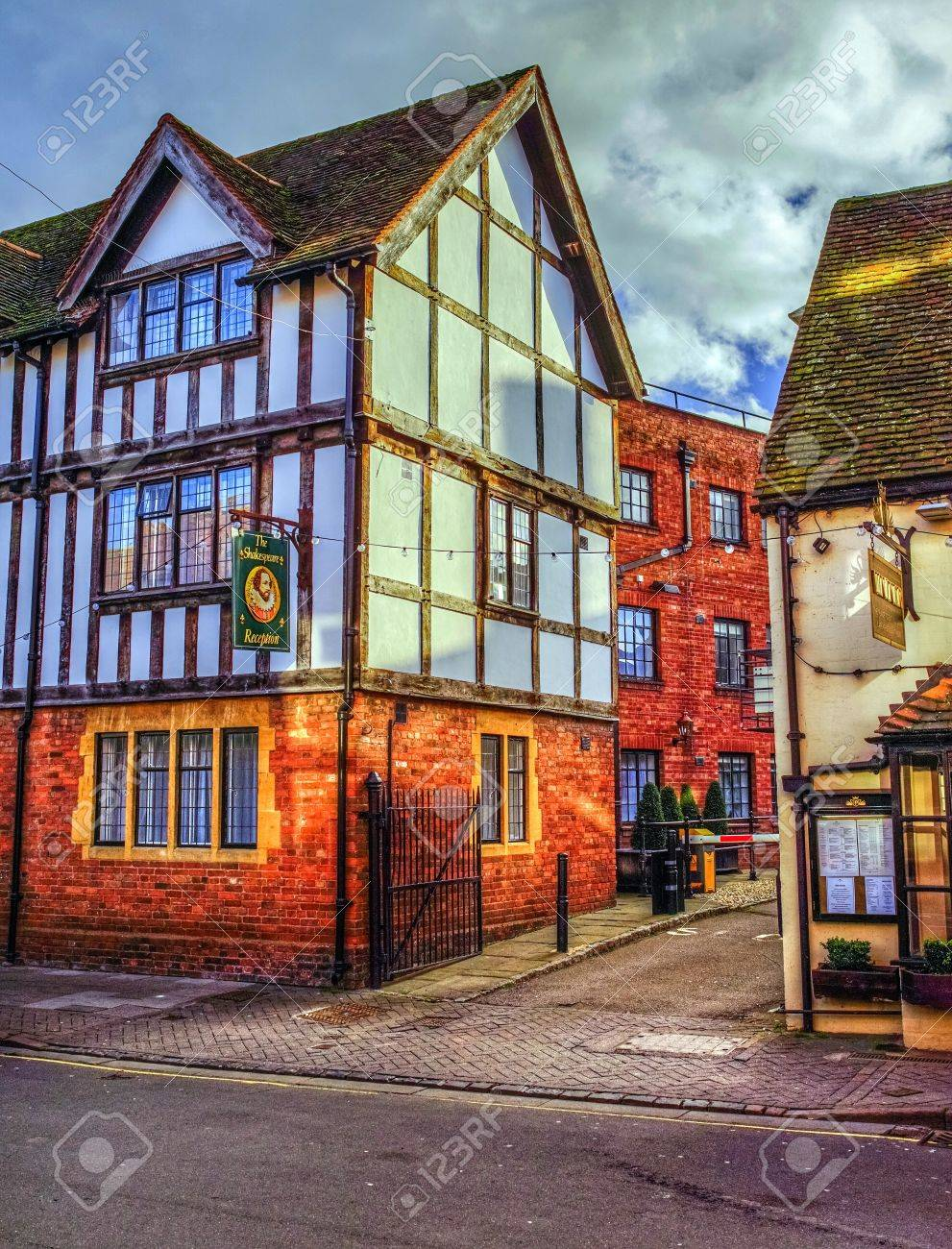 Alte Fachwerkhäuser Im Zentrum Von Stratford Upon Avon Uk ...