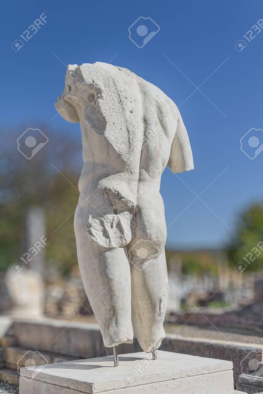 Banos De Epoca.El Torso Heroico De Un Dios Banos De Adriano En Afrodisias Turquia Construido Durante La Epoca Helenistica Y Romana En Epoca Romana Era Una