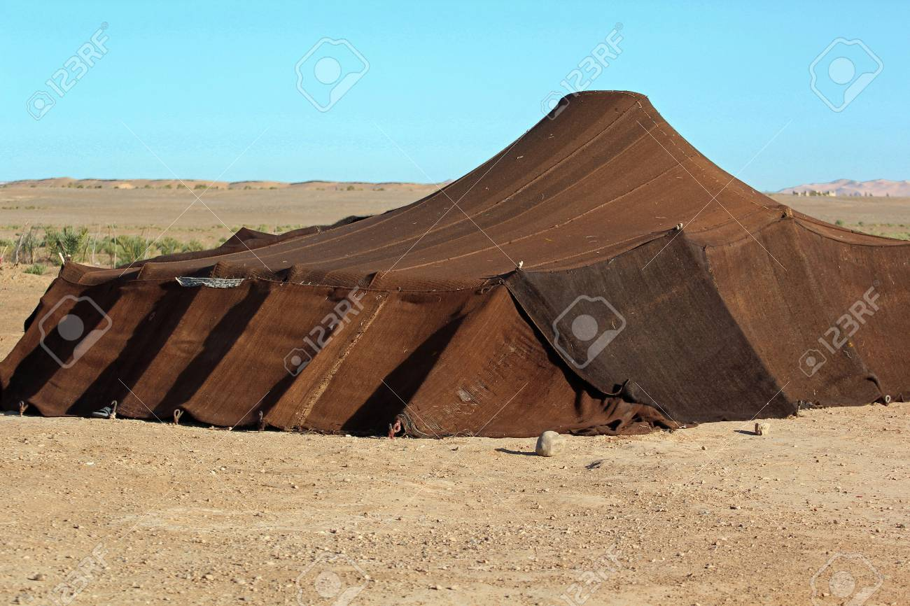 Bedouin tent found in the Sahara desert Stock Photo - 106996092 & Bedouin Tent Found In The Sahara Desert Stock Photo Picture And ...