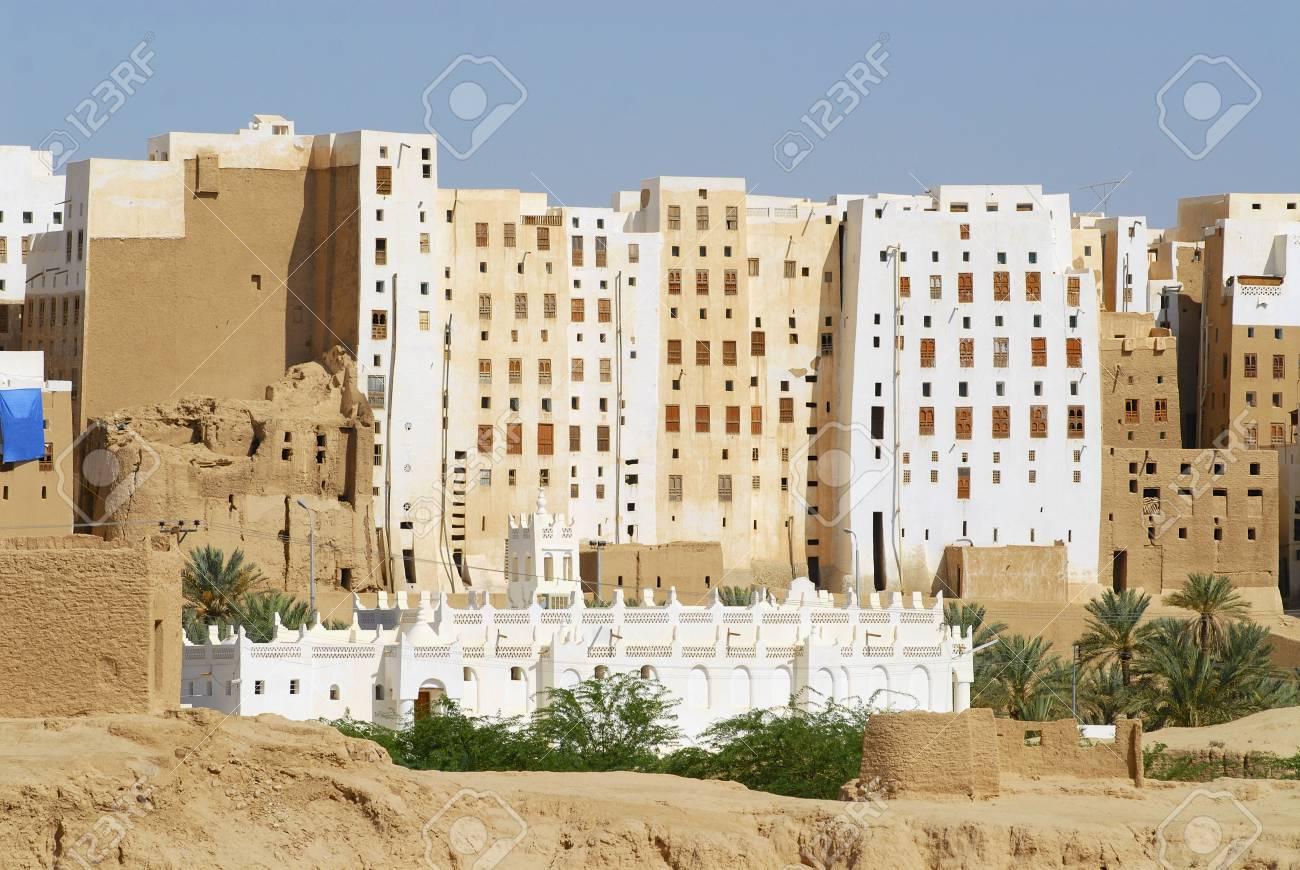 Case Di Mattoni Di Fango : Esterno della torre di mattoni di fango case di città di shibam