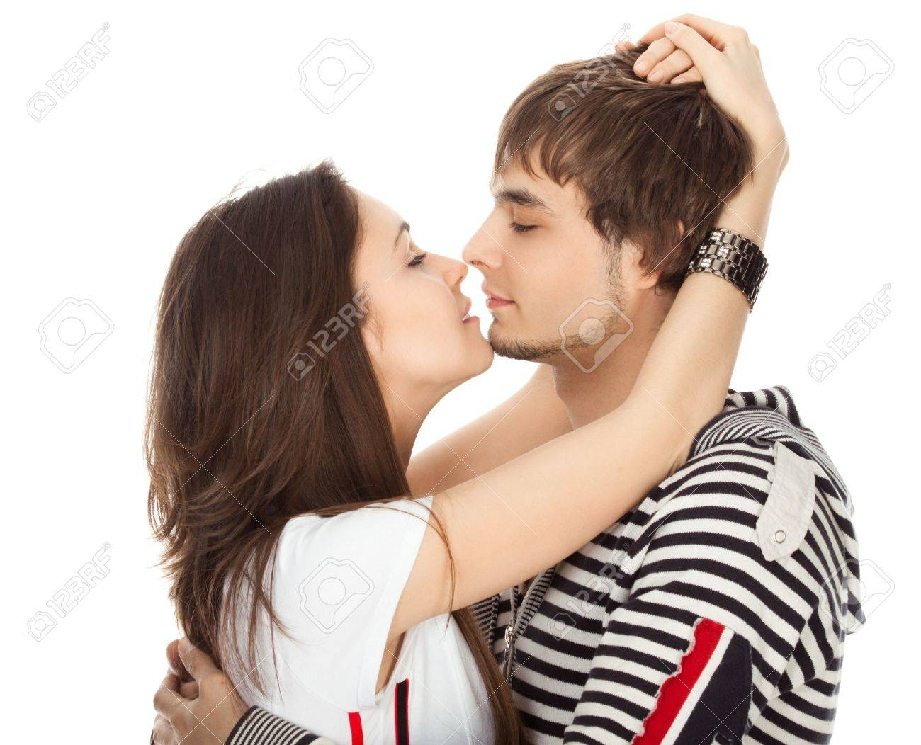 Pure Intimacy - Biblical Dating: To Kiss or Not to Kiss