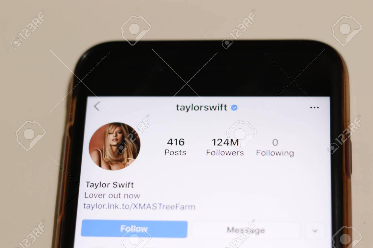 Los Angeles California Usa 18 December 2019 Taylor Swift Stock Photo Picture And Royalty Free Image Image 140575682