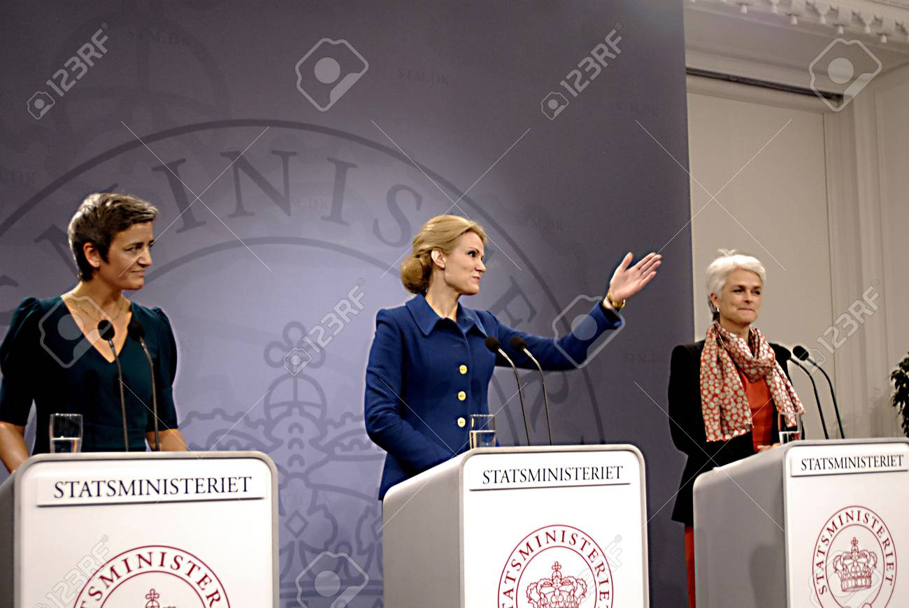 COPENHAGEN/DENMARK _ Ms.Helle Thorning-Schmidt danish prime minieter in blue(c)holds Press meeting with Ms.Margrethe Vestager Minister for Economy and home minister from Radical liberal party  and newly elected SF chairman womam and new Minister for Busin Stock Photo - 15838126