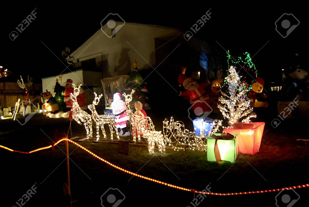 Residents Lewiston Idaho State Usa Lewiston 14 Rue A Decorer Sa Maison Avec Chritmas Lumiere Santa Marie Joseph Et Jesus Figurres Animaux Qu Il A