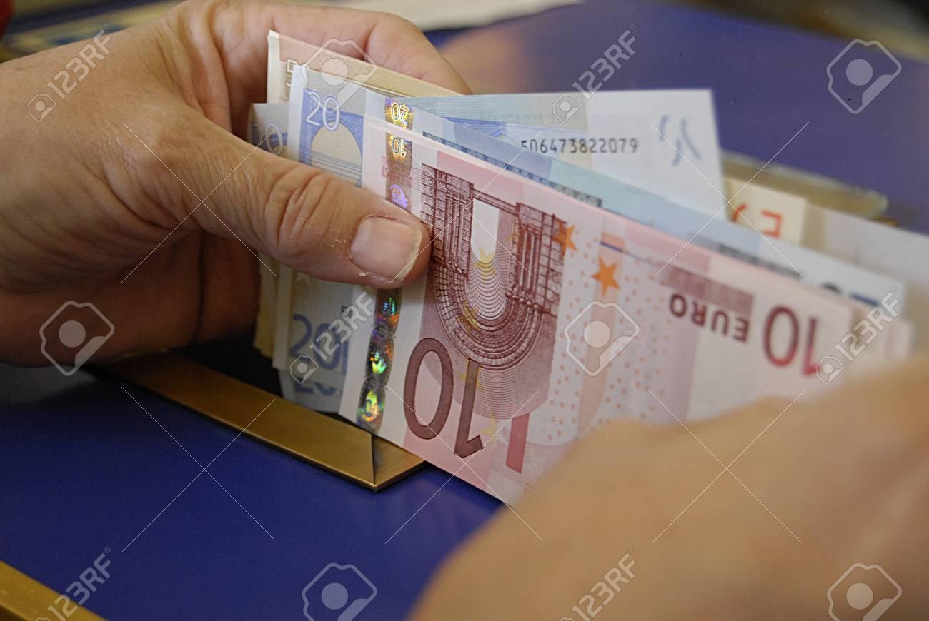 Paris france voyageurs american évolution usa dollars factures