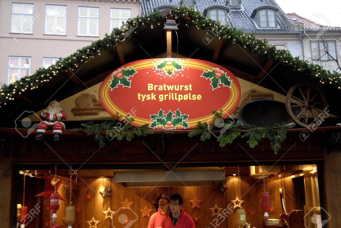 KOPENHAGEN / DENMARK_ Weihnachtsmarkt Am Hojbroplads Hinter Seinem ...