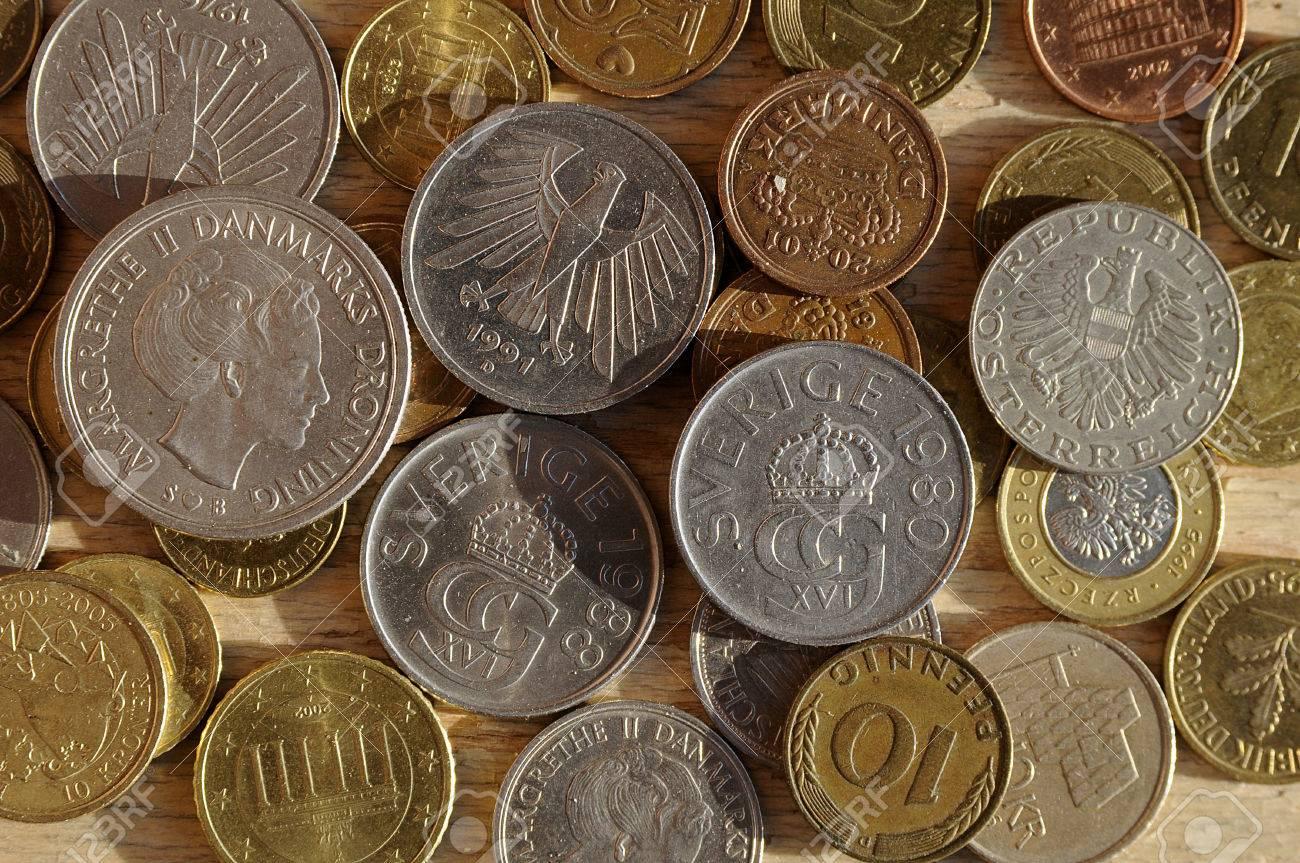 Alte Münzen Aus Fünf Europäischen Ländern Wie Deutsche Mark Und