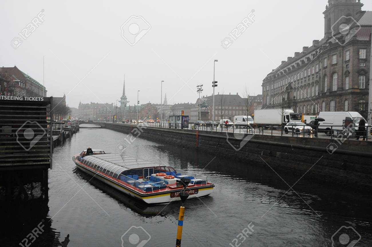 Copenhagendenmark 21december 2018winter Tourists And Boat