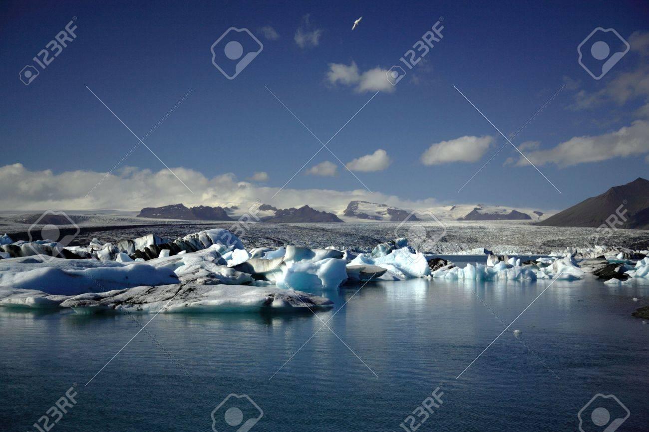Hundreds of icebergs Jokulsarlon lagoon Iceland - 701171