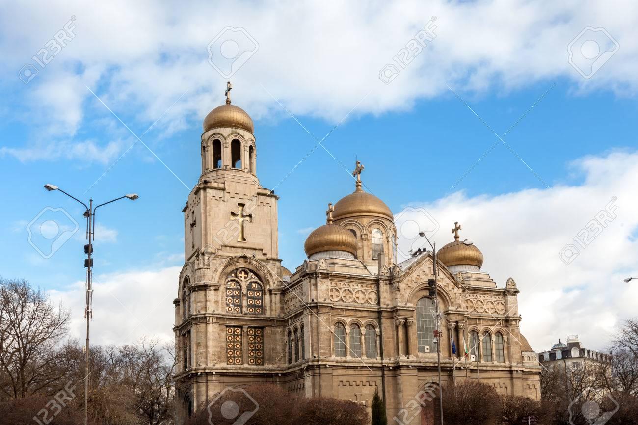 ヴァルナ、ブルガリア。大聖堂の...