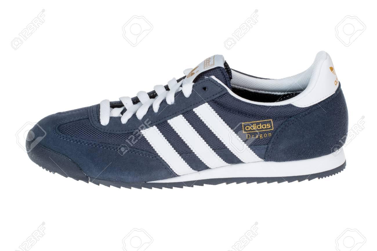 chaussure adidas 28