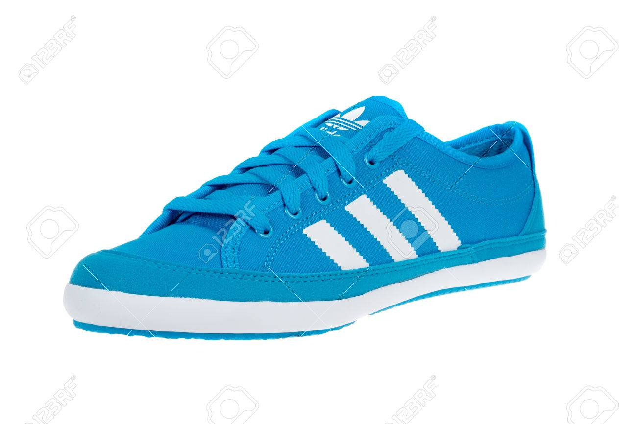 lowest price e91fa 35732 Stock Photo - Varna , Bulgaria - APRIL 4, 2015   ADIDAS ORIGINALS NIZZA shoe.  Isolated on white. Product shots