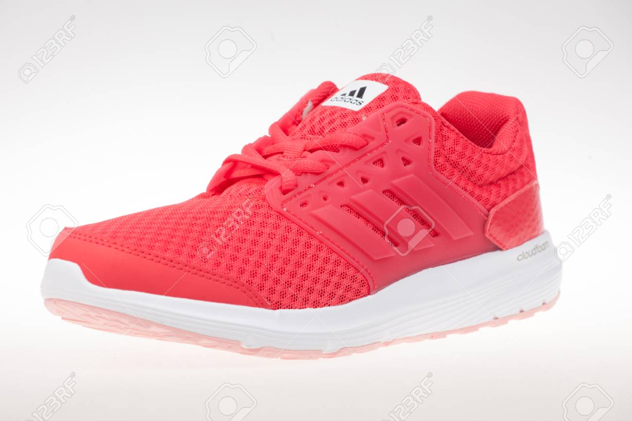 woman sport shoes adidas