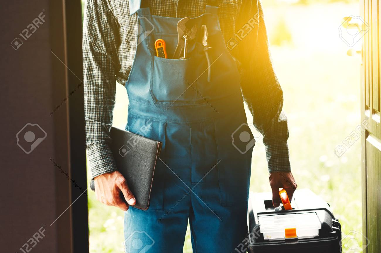 worker, service man, plumber or electric - 84471592