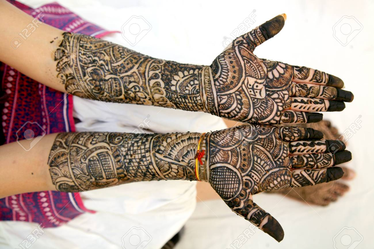 Mehndi Free Hand : Mehndi design in wedding girl s hand stock photo picture and