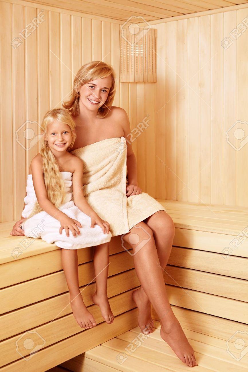 С матерью в бане 22 фотография