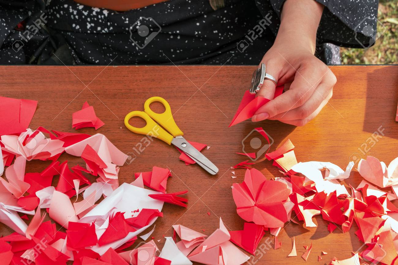 Japanese Woman Shows A Master Class On Creating Origami Flowers