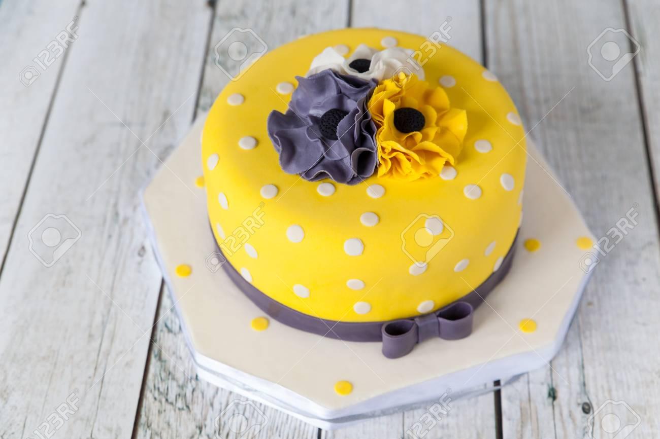 Sensational Yellow Birthday Cake With White Grey And Yellow Anemones Flowers Personalised Birthday Cards Paralily Jamesorg