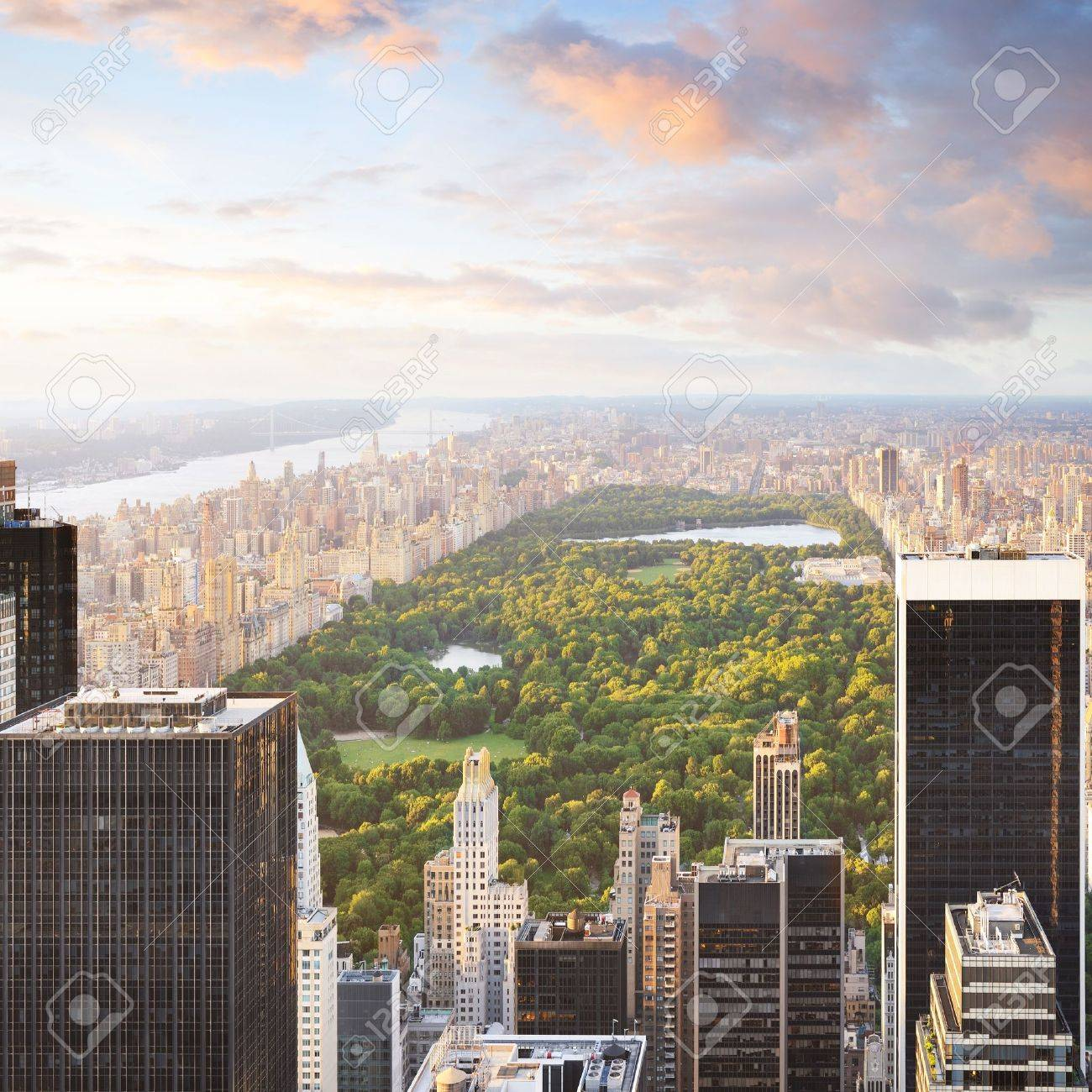 New york manhattan at sunset - central park view Stock Photo - 9316762