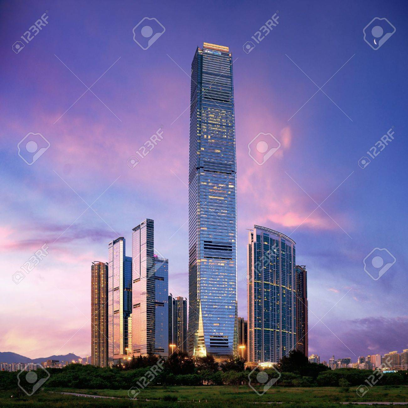 Amazing cityscape of HongKong at sunset - 17853327