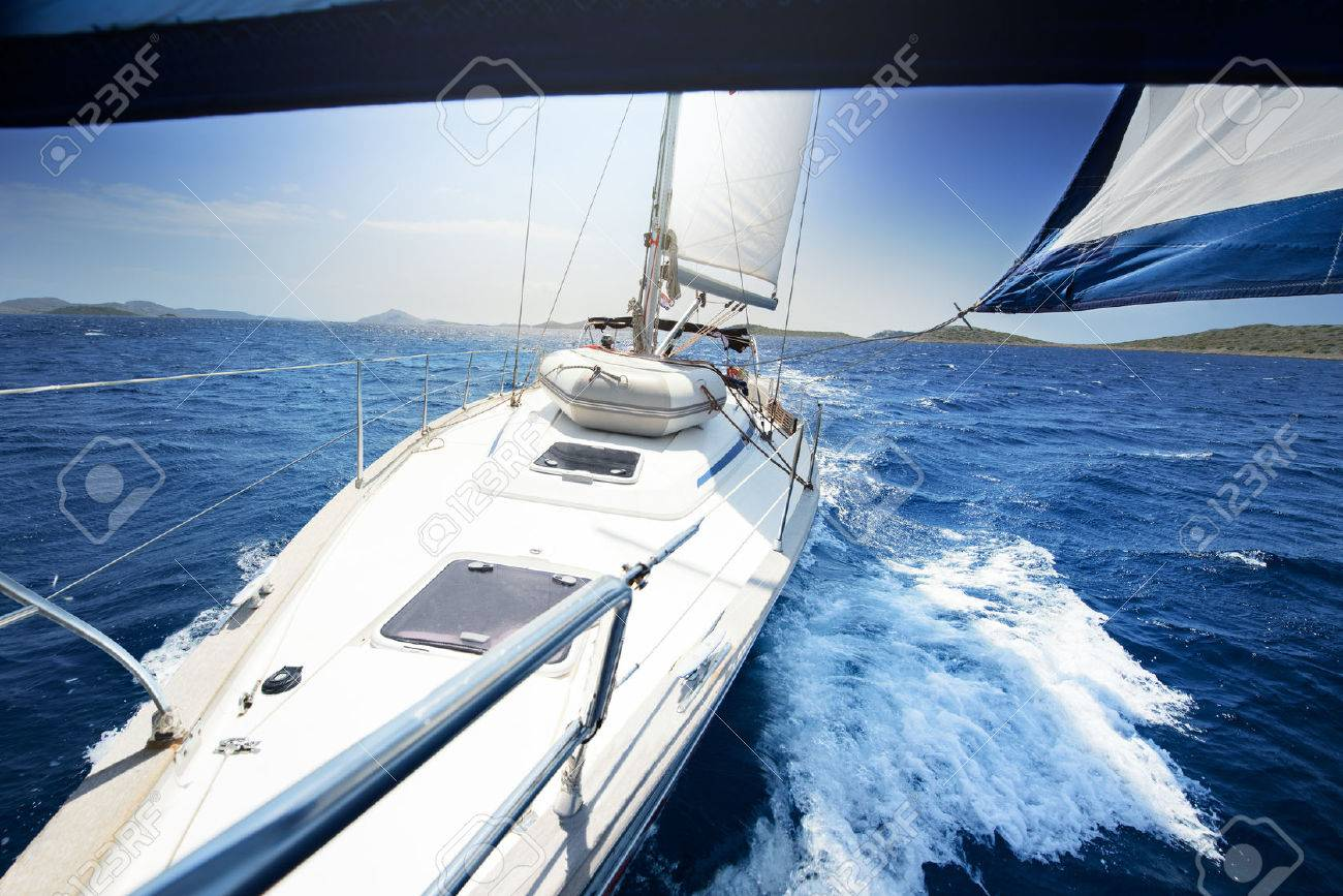 sailing on Yacht at sunny day - 32773701