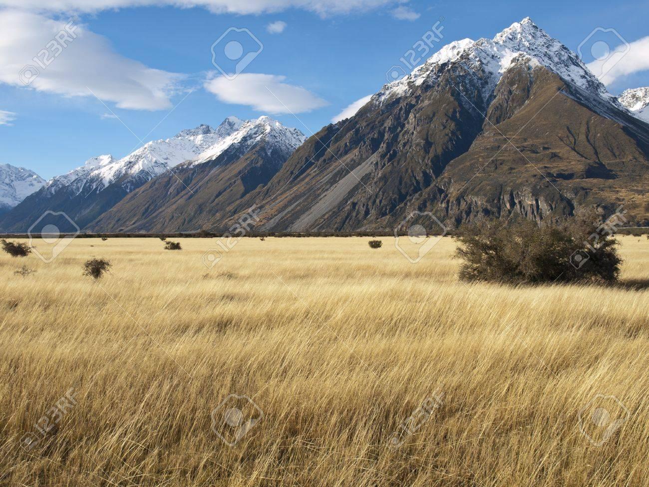 Mountain landscape, near Mount Cook, South Island, New Zealand Stock Photo - 15829697