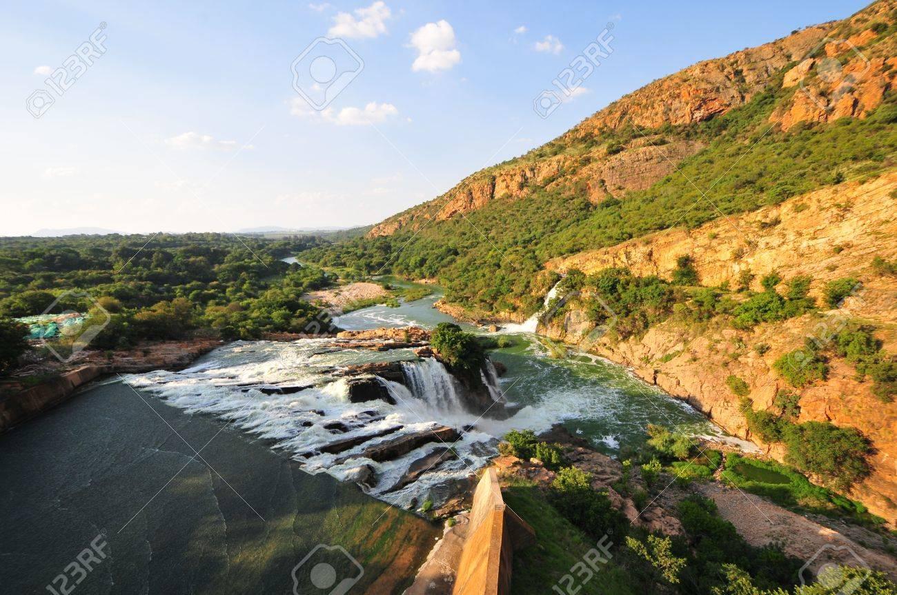 Hartbeespoort Dam also known as Harties about 35 kilometres west of Pretoria. Stock Photo - 15604445