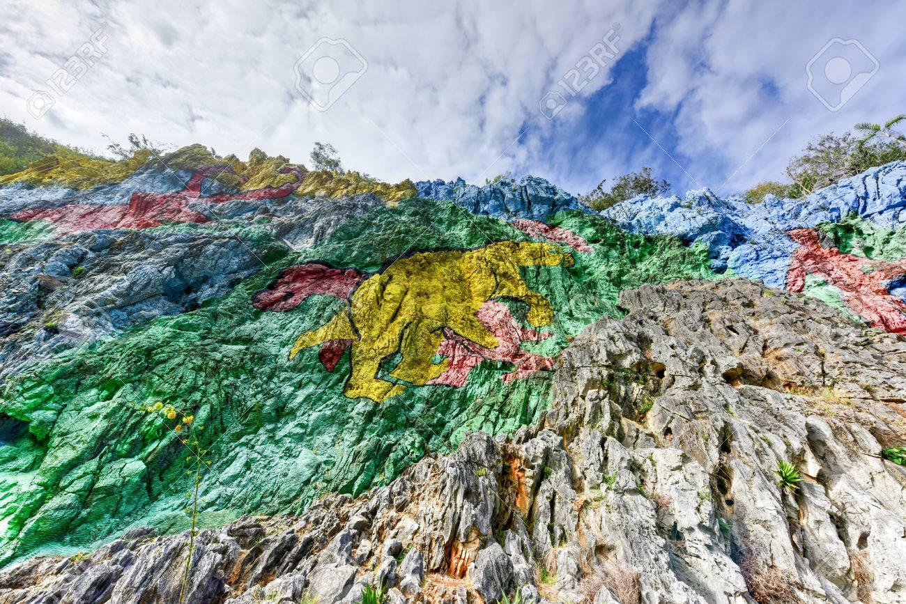 Dipinti Murali E Pittura Ad Ago : Dipinti murali e pittura ad ago: c era una volta a cadorago un uomo