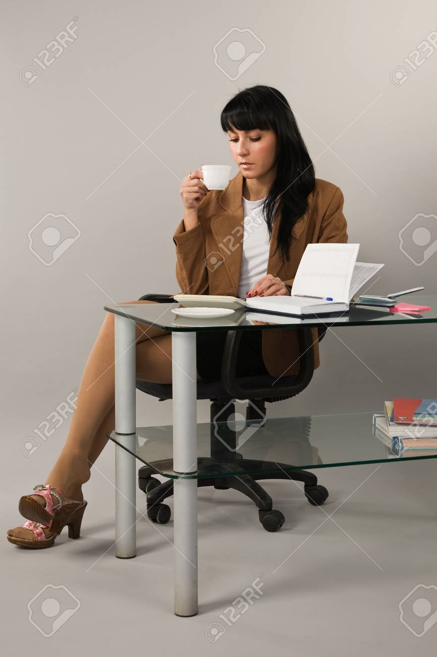 Portrait of the business woman in a office Stock Photo - 9058374