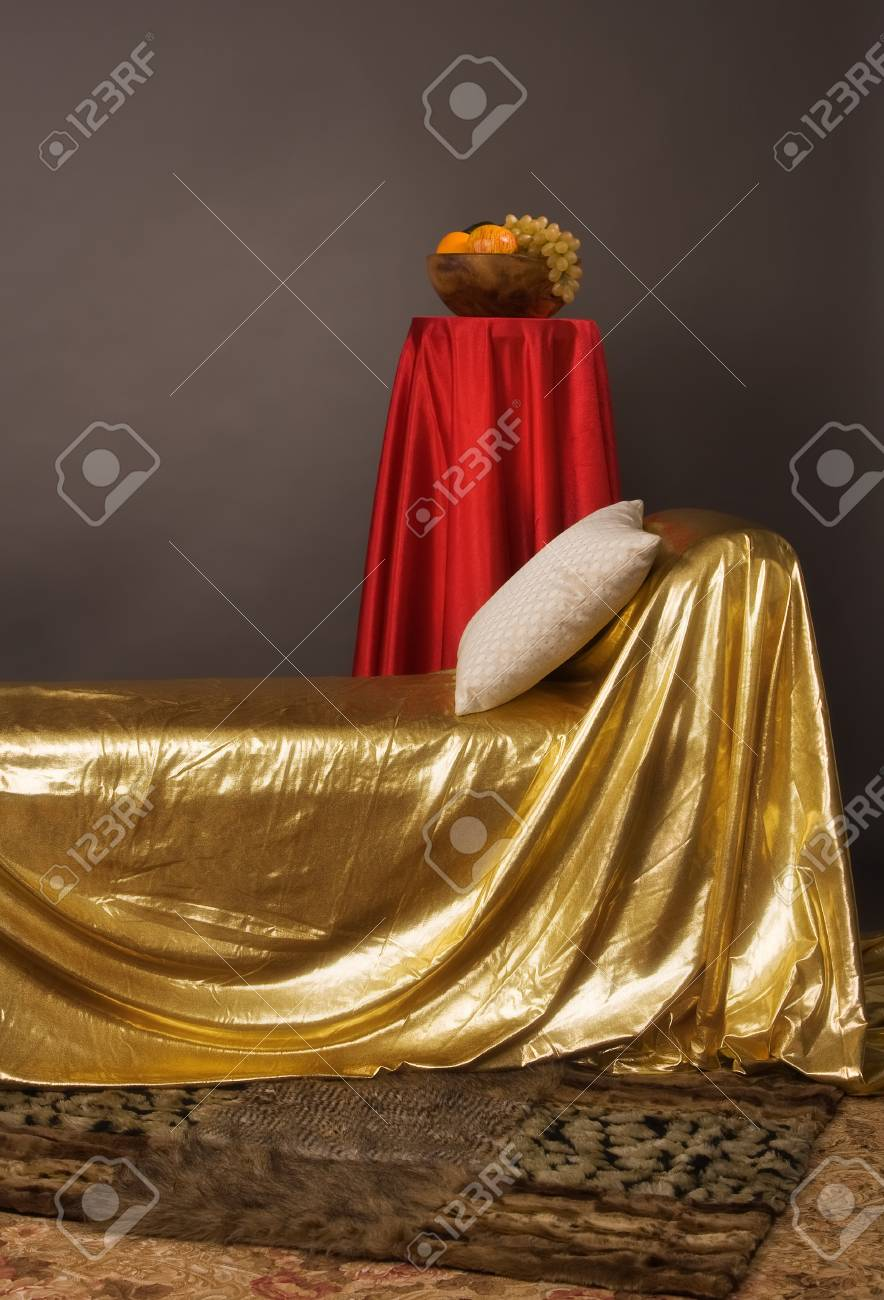 Magnificent elegant bedroom in aristocratic style Stock Photo - 9137618