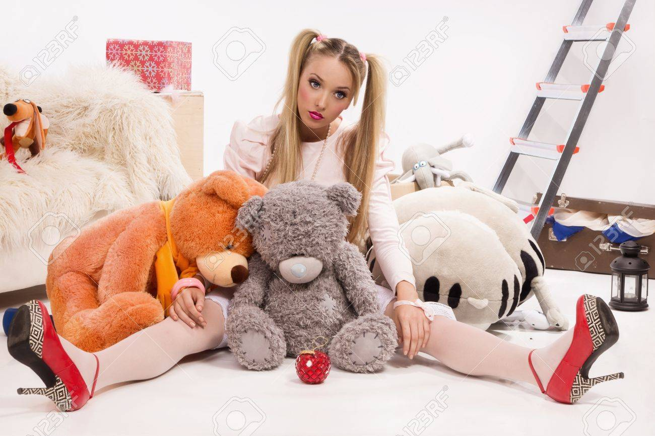 Pretty blonde dressed up as a doll Stock Photo - 10632001