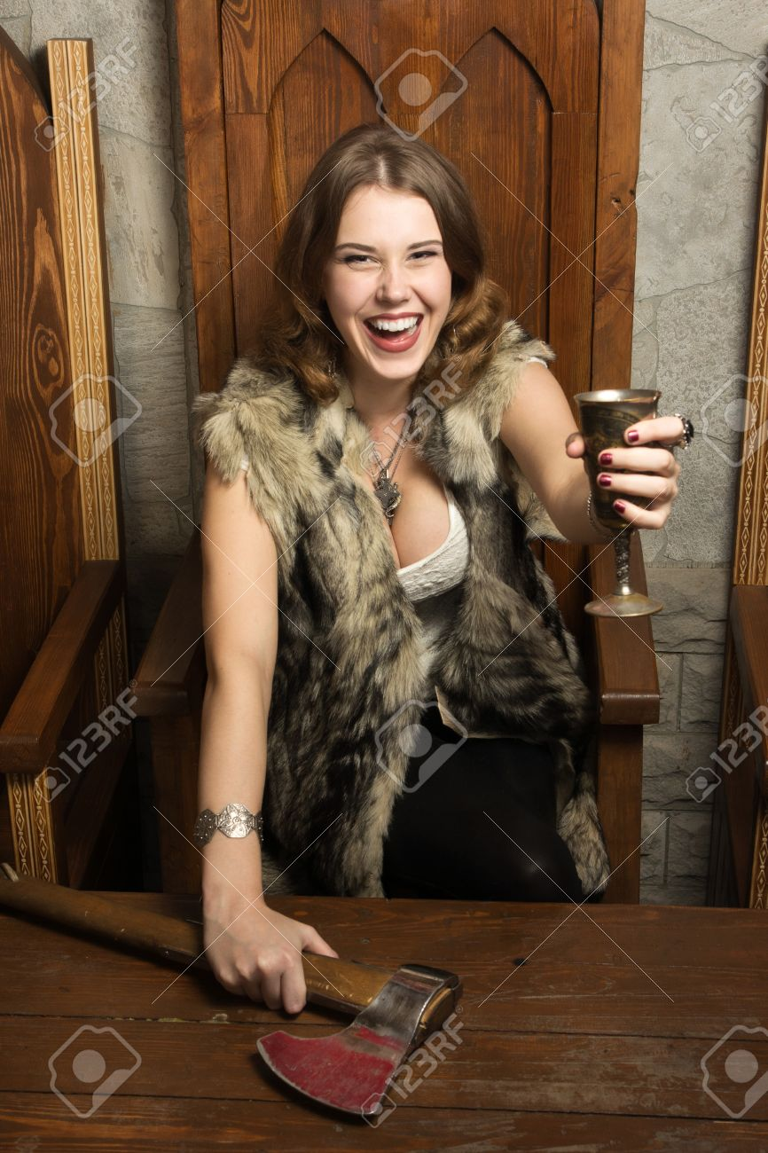 Sexy medieval babes 15