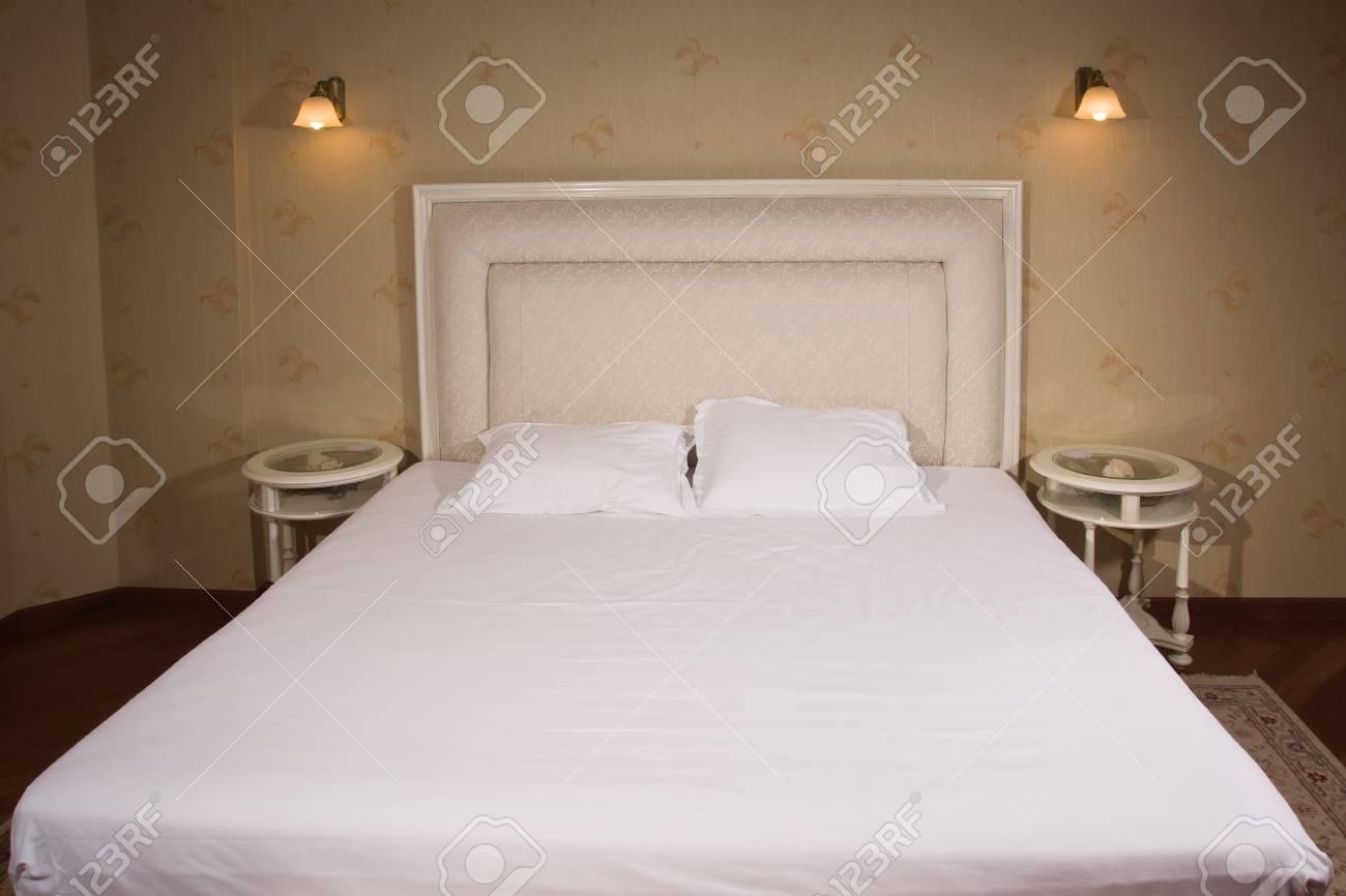 Vintage Stijl Slaapkamer : Luxe interieur van een vintage stijl slaapkamer royalty vrije foto