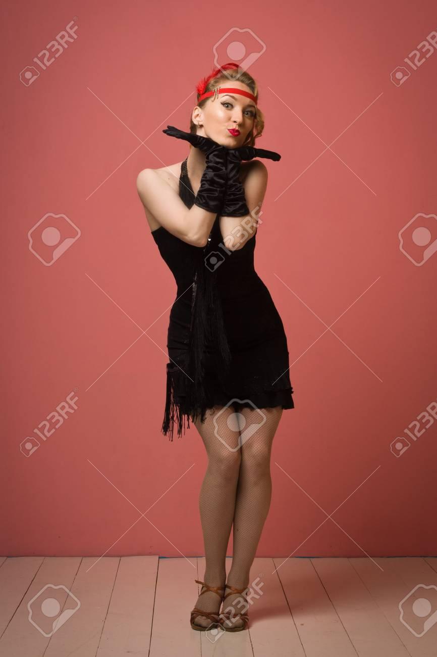 Asombroso Vestido De Dama De Negro Imágenes - Colección de Vestidos ...