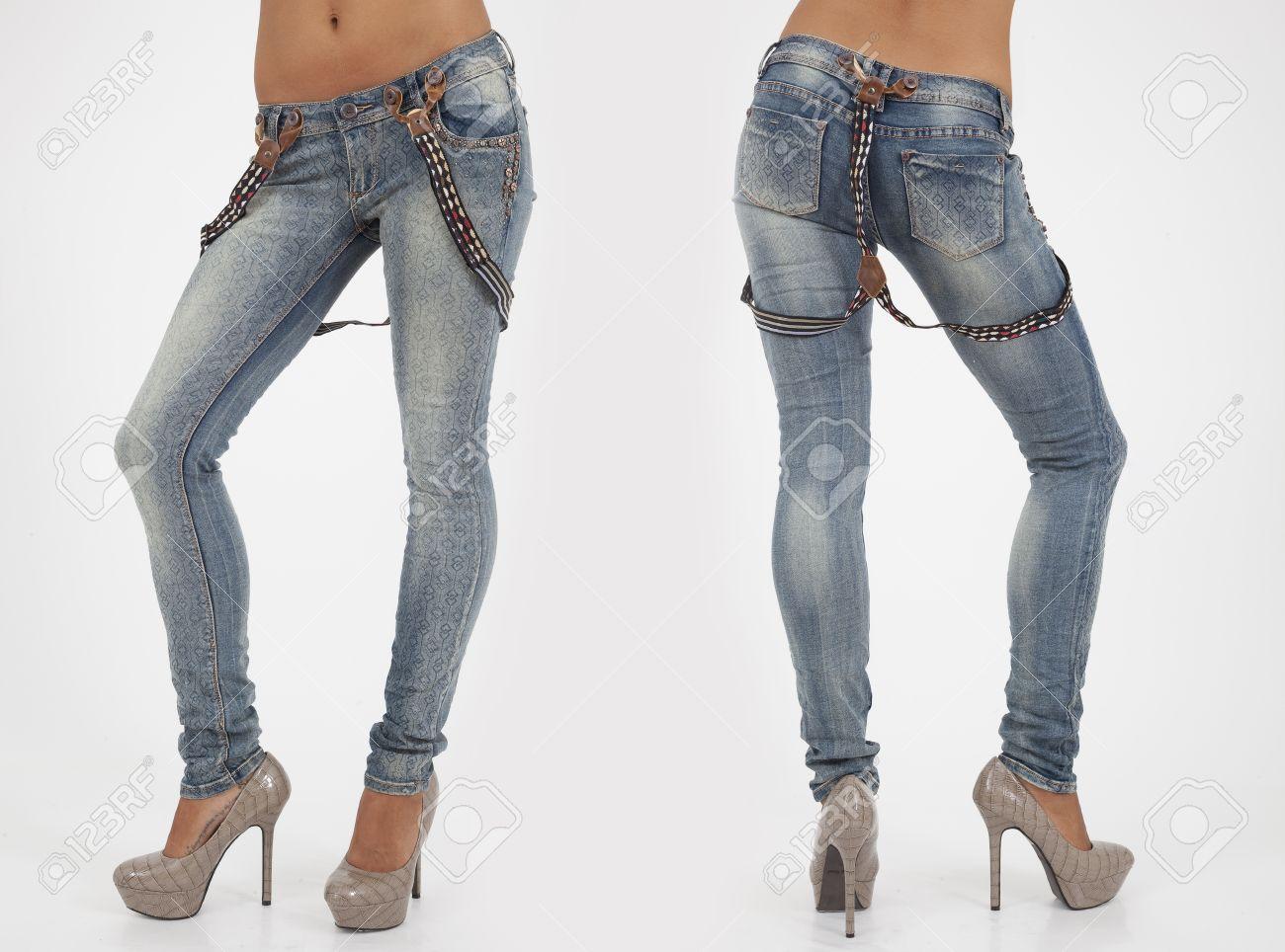 Hübsche Frauen In Engen Jeans Auf Weiß Vorder Und Rückseite Blick